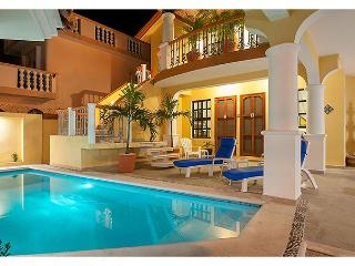Comfortable apartment, well equipped kitchen next to sparkling pool - Puerto Morelos vacation rentals