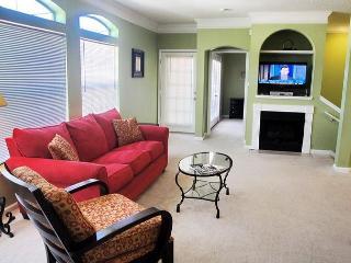 Beautiful 2 bedroom / 2 bath 2nd Floor Condo. - Gulfport vacation rentals