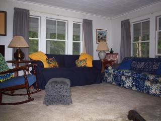 Comfortable Home Near Perkins Cove, Pet Friendly, Free WIFI, Central Air - Ogunquit vacation rentals