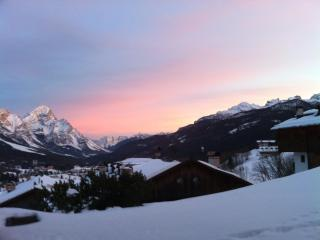 Cozy Chalet with Internet Access and Central Heating - Cortina D'Ampezzo vacation rentals