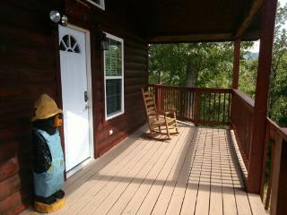 Papa Bear - Fabulous cabin minutes to Pigeon Forge - Pigeon Forge vacation rentals