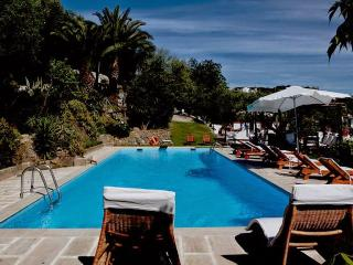 8 bedroom Villa in Massa Lubrense, Sorrento and Ischia, Amalfi Coast, Italy : ref 2294113 - Schiazzano vacation rentals
