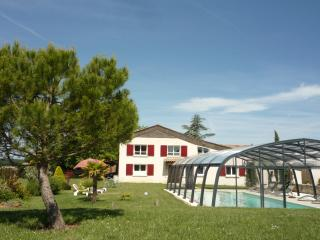 5 bedroom House with Internet Access in Sainte-Sabine-Born - Sainte-Sabine-Born vacation rentals
