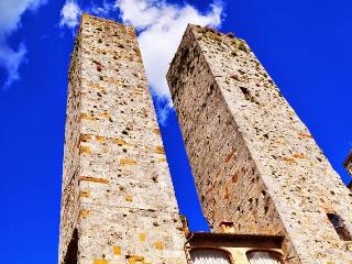 Torre Bella San Gimignano Middle Ages Apartment in Tuscany - San Gimignano vacation rentals