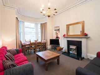 Refurbished, bright & spacious traditional flat - Edinburgh vacation rentals