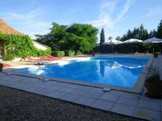LES TERRASSES DE SAINT GERMAIN DES PRES - Excideuil vacation rentals