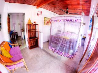 romantic & cosy appartment in galle fort - Galle vacation rentals
