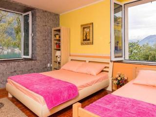 Comfortable 2 bedroom Condo in Dobrota - Dobrota vacation rentals