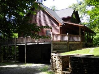 Other Side of the Mountain is a secluded lakefront vacation cabin on Norris Lake at Lone Mountain Shores. - Norris vacation rentals