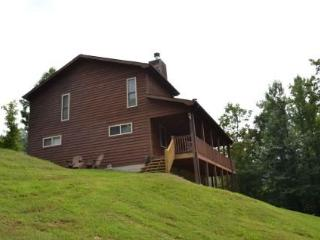 Nice 3 bedroom House in New Tazewell with Grill - New Tazewell vacation rentals