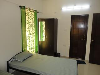 Green Kiwi Service Apartment,Hinjewadi,Pune - Pune vacation rentals