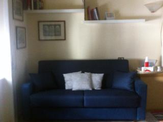 casa indipendente a Napoli centro - Naples vacation rentals