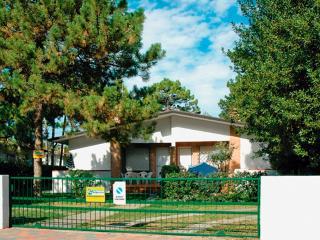 Villetta Allodola D - Lignano Pineta vacation rentals