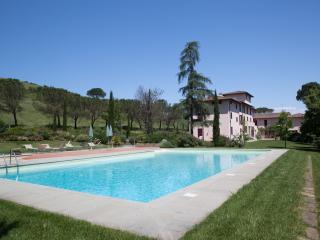 La Canonica - Apt Canonica n.15 - Certaldo vacation rentals