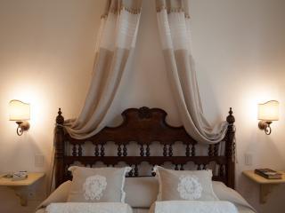 La Canonica - Apt. Canonica n.4 - Certaldo vacation rentals
