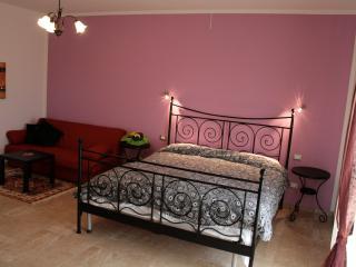 Villa Liburnia, Violet Room (2) - Livorno vacation rentals