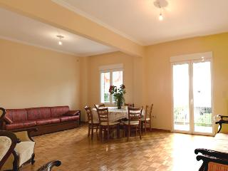 A Comfortable Apt next to the Beach - Palaio Faliro vacation rentals
