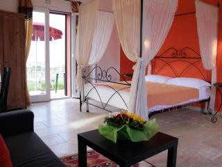 Villa Liburnia,Tulip Room (6) - Livorno vacation rentals