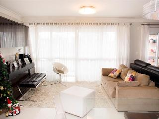 Bright Condo with A/C and Balcony - Sao Paulo vacation rentals