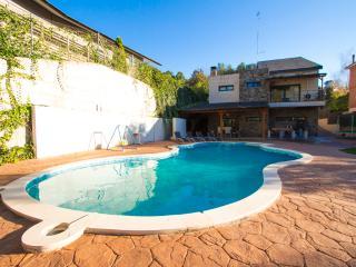 Pleasant family villa in Matadepera, located right outside of Barcelona! - Matadepera vacation rentals