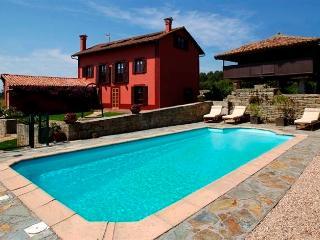 Villaviciosa holiday villa rental VillaSeena - Villaviciosa vacation rentals