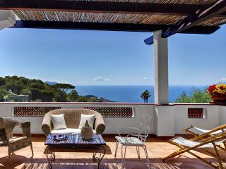 Aragona, Holiday home with breathtaking views - Massa Lubrense vacation rentals