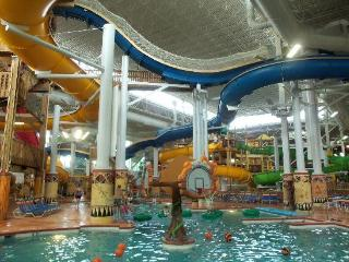 WATERPARKS - ODYSSEY DELLS - LUXURY - 2 BR - AMUSE - Wisconsin Dells vacation rentals