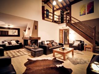 Lovely 6 bedroom Chamonix Chalet with Deck - Chamonix vacation rentals