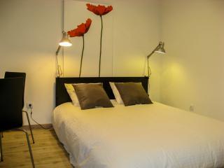 Casa Ié - Perfect studio @ Bohemian Bairro Alto - Lisbon vacation rentals