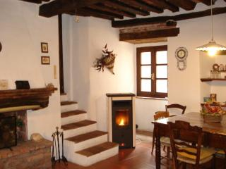 TYPICAL APARTMENT CLOSE TO THE SEA & TOWNS OF ART - Gavorrano vacation rentals