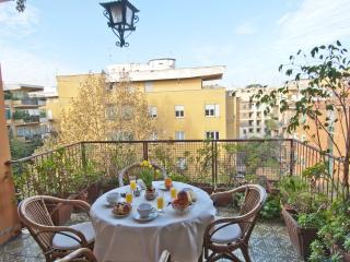 • Elegant Spacious Bright Apt • Close 2 Metro B • - Rome vacation rentals