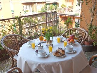 • Elegant Spacious Bright Apt • Close 2 Metro B • - Rome vacation rentals