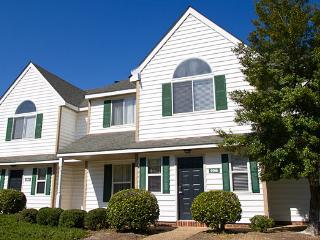 The Historic Powhatan - 2 Bedroom Groundfloor - Williamsburg vacation rentals