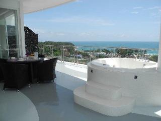 Appartement Penthouse Terrasse Pleine Vue Mer Kata Karon - Sao Hai vacation rentals