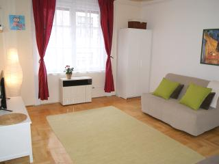CITY CENTRE MARGARET APARTMENT with free WIFI ! - Budapest & Central Danube Region vacation rentals