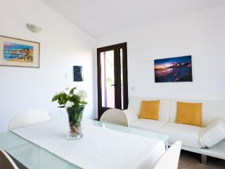 Convenient 1 bedroom Apartment in Portoscuso with A/C - Portoscuso vacation rentals