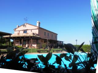 Bright 4 bedroom Osimo Bed and Breakfast with Deck - Osimo vacation rentals