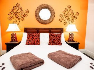 2 bedroom Condo with Internet Access in Bondi - Bondi vacation rentals