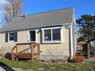 ADORABLE 2 BD COTTAGE WITH A/C & POOL! - Truro vacation rentals