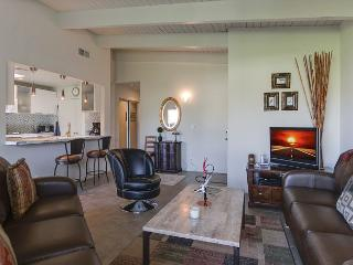 2BR/2BA Mid-Century Resort-Style Comfy Condo, Palm Springs, Sleeps 4 - Palm Springs vacation rentals
