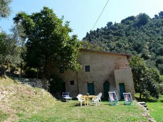 Charming 2 bedroom Monteggiori House with Washing Machine - Monteggiori vacation rentals