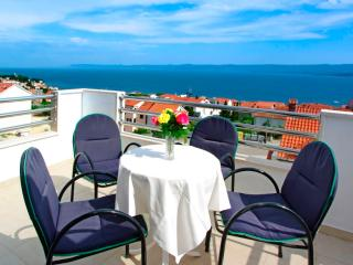 Comfortable 1 bedroom Condo in Bol - Bol vacation rentals