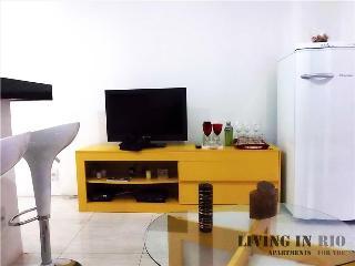AMAZING APARTMENT COPACABANA V016 - Rio de Janeiro vacation rentals