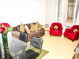 LUXURY 3Bdr APARMENT IPANEMA V033 - Rio de Janeiro vacation rentals