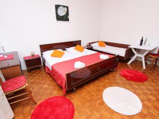 OLEA One-Bedroom Apartment with Balcony (A2 Balkon) - Rovinj vacation rentals
