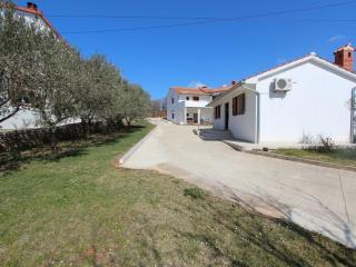 VICANI One-Bedroom Apartment - Rovinjsko Selo vacation rentals