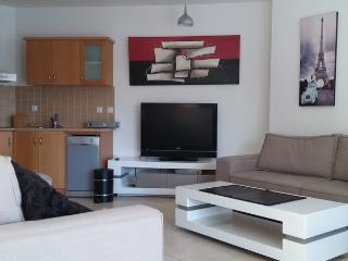 2 bedroom apartment with garden - Eilat vacation rentals