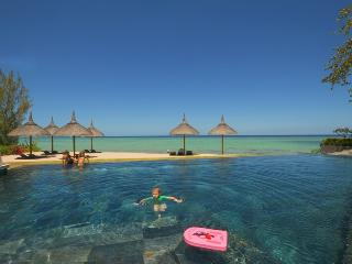 Villa Sunset Coast, Sea/Beachfront luxury appart, pool, Mauritius West - Tamarin vacation rentals