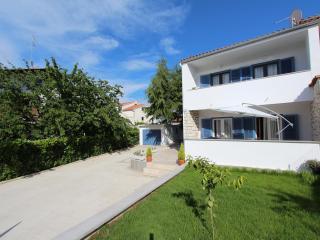 BONACA Two-Bedroom Apartment 1 (Comfort - prizemlje) - Rovinj vacation rentals