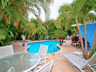 Beautiful Condo with Internet Access and A/C - Anna Maria vacation rentals